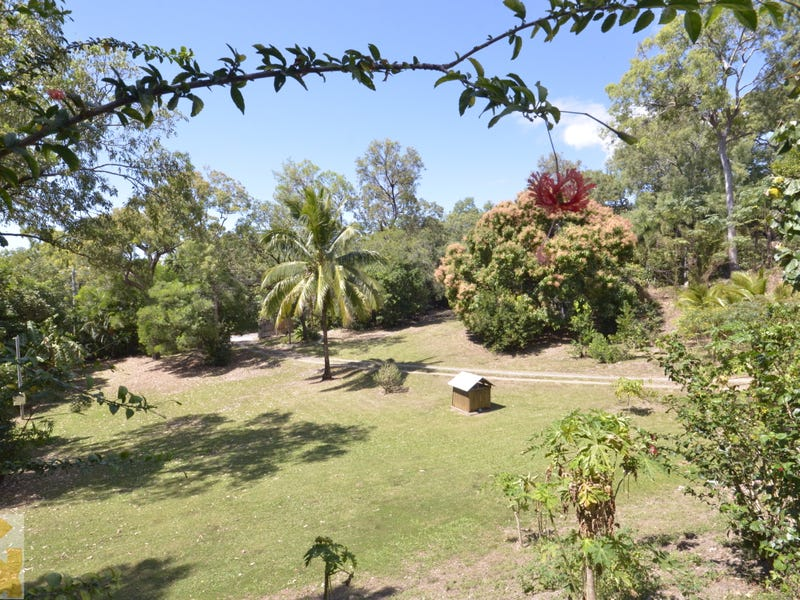 77 REYNOLDS ROAD, Oak Beach, Qld 4877