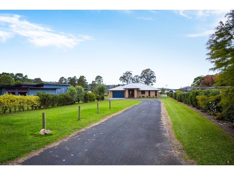 10 Waterside Lane, Millingandi, NSW 2549