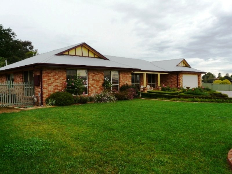 26 Arnold Court, Kelso, NSW 2795