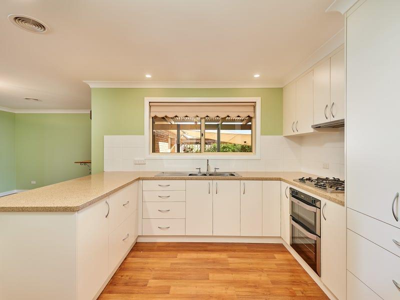 14 Gidgee Place, Glenfield Park, NSW 2650