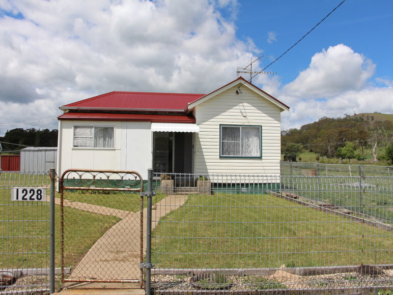 1228 Ben Lomond Road, Ben Lomond, NSW 2365
