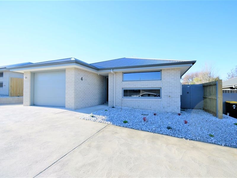 53 West Parade, Deloraine, Tas 7304