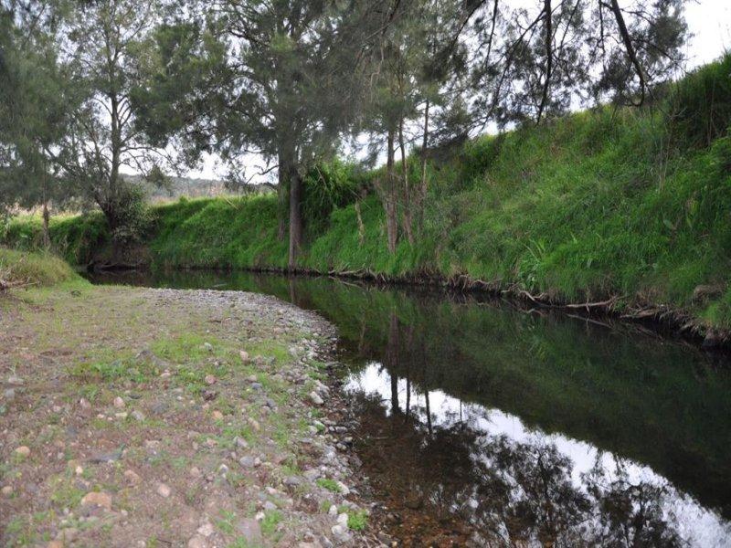 """. """"Kingdon Farm"""", New England Hwy, Parkville, NSW 2337"""