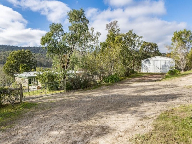 425 Buttermans Track, St Andrews, Vic 3761