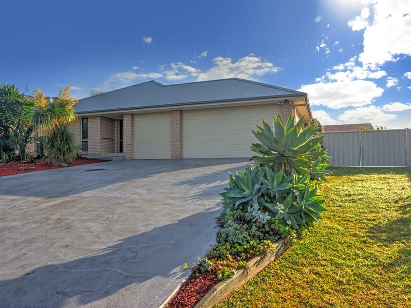 16 Barbata Grove, South Nowra, NSW 2541