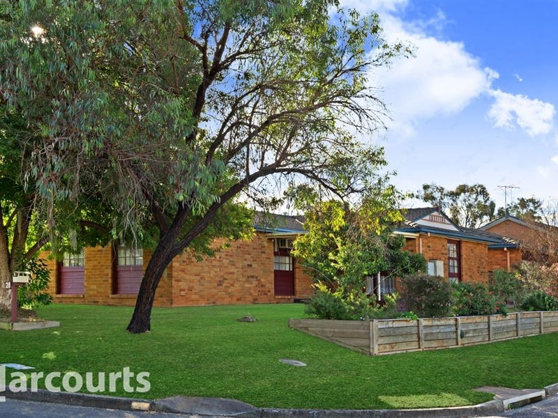 28 Owen Stanley Road, Glenfield, NSW 2167