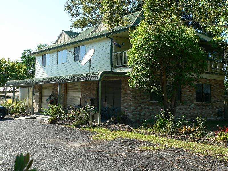 2340 Bucketts Way, Booral, NSW 2425