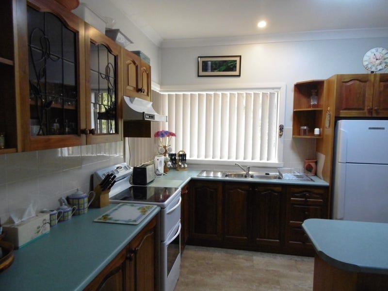 86 Euchie Street, Peak Hill, NSW 2869