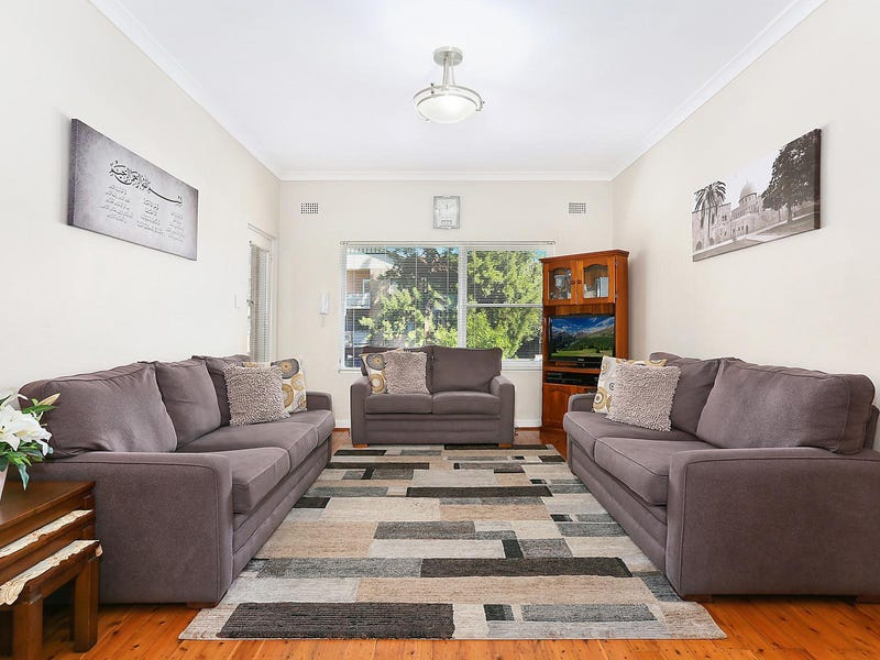 2/2A Winchester Street, Carlton, NSW 2218