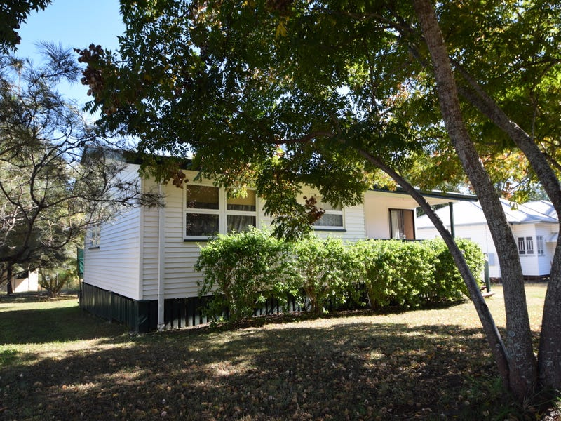 75 Middle Street, Esk, Qld 4312