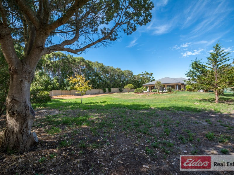 16 George St, Little Grove, WA 6330