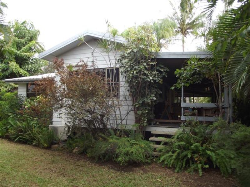8 Eleventh Avenue, Scottville, Qld 4804