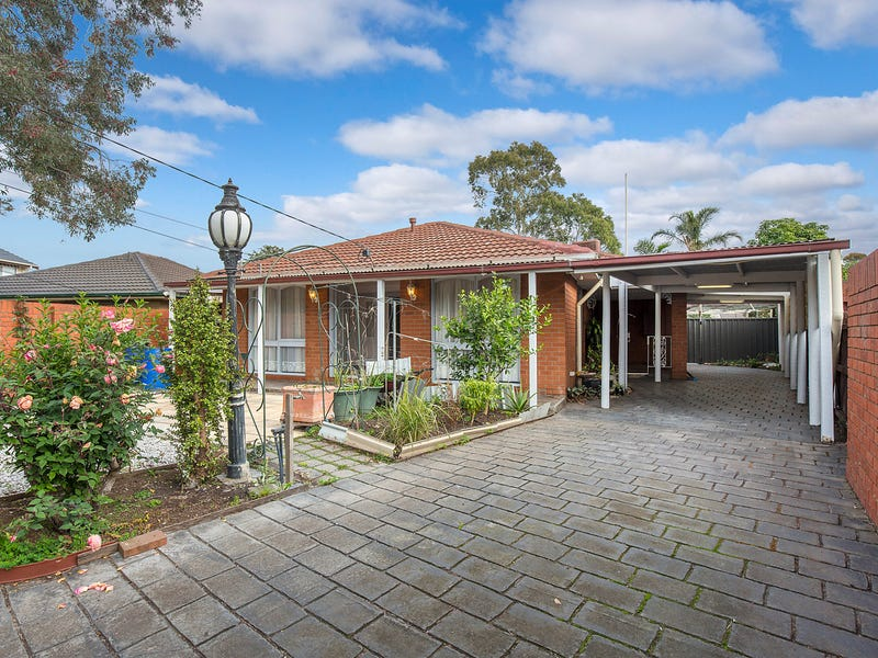 15 Bletchley Place, Kealba, Vic 3021