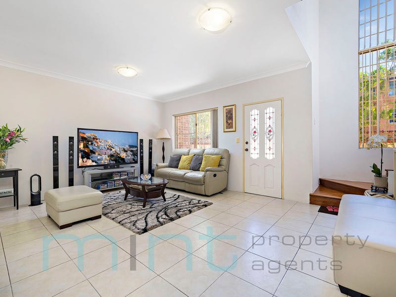 2/11 Seventh Avenue, Campsie, NSW 2194