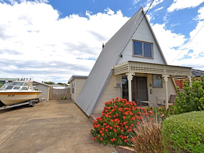 20 Narvik Avenue, St Leonards, Vic 3223