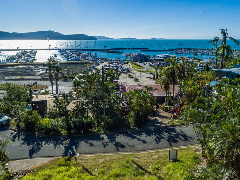 8 Airlie Crescent, Airlie Beach