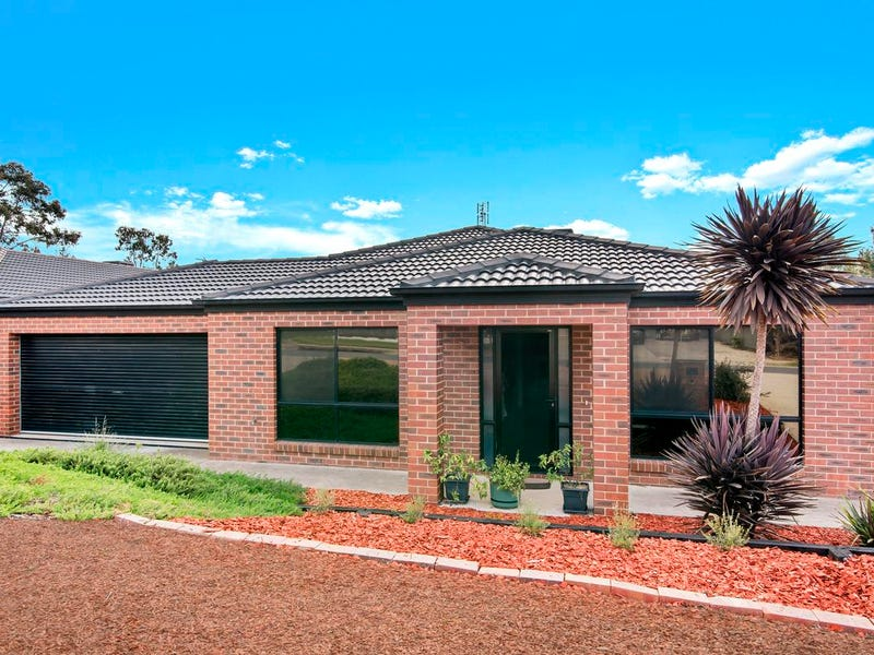 11 Symbester Crescent, Eaglehawk, Vic 3556