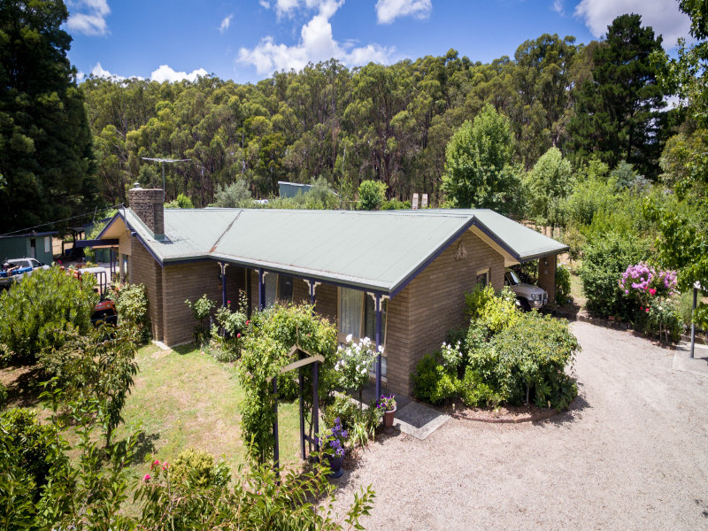 4 Mulhalls Road, Macclesfield, Vic 3782