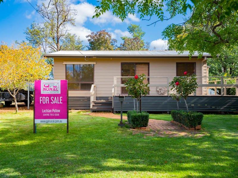 10 Deakin Street, Beckom, NSW 2665