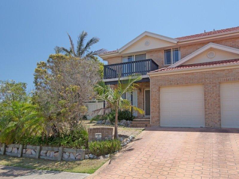 1a Ebbtide Avenue, Caves Beach, NSW 2281
