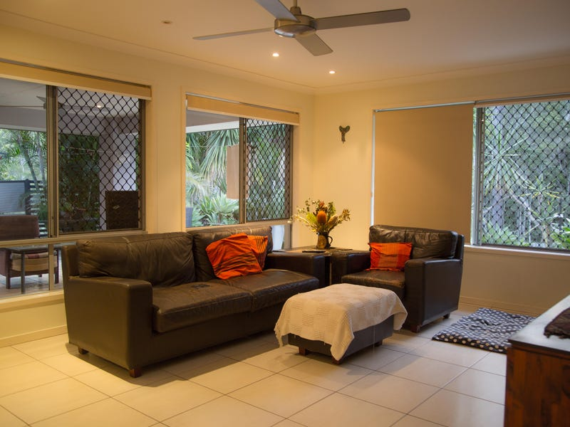 6 YAGGERA PLACE, Bellbowrie
