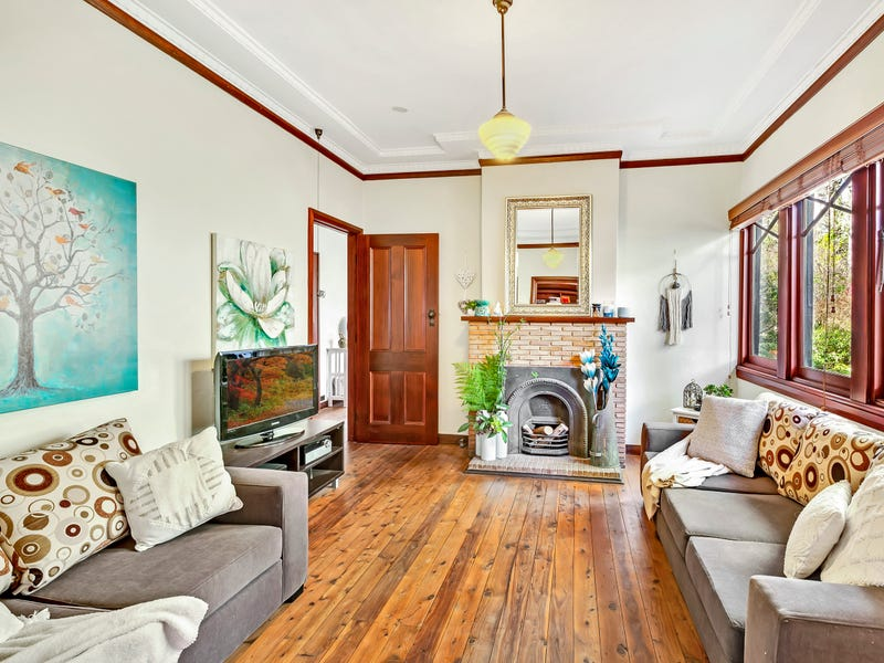 34 Kubya Street, Blackheath, NSW 2785