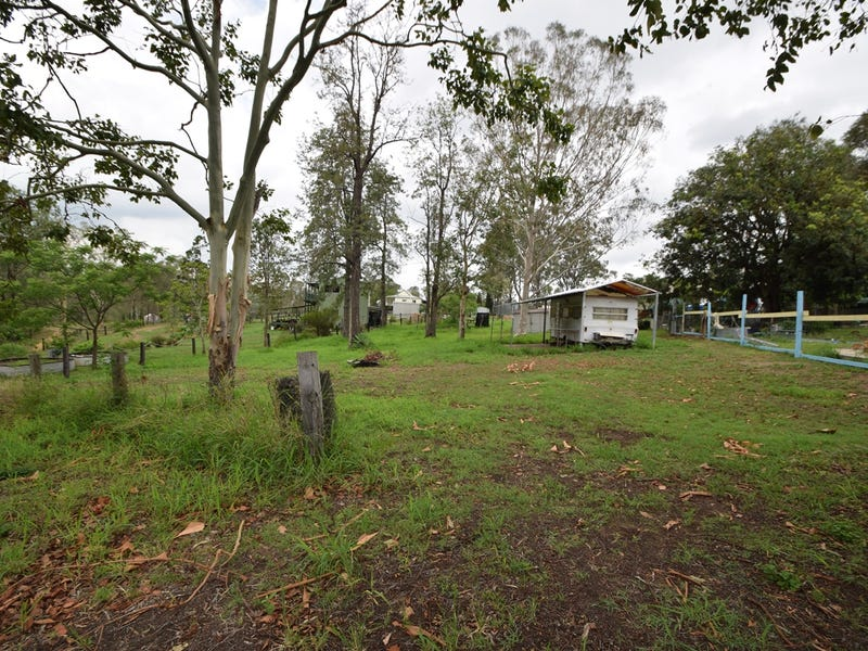 16 Alice Street, Linville, Qld 4306