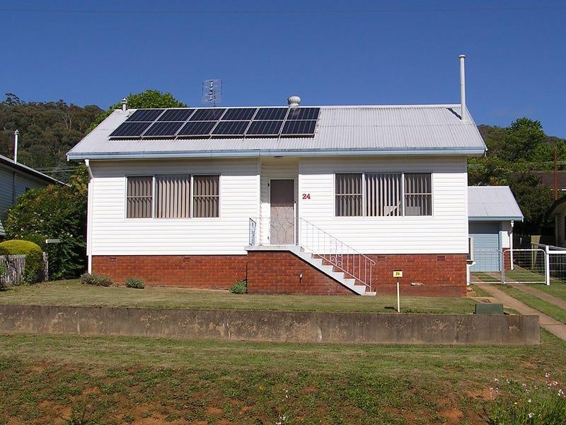 24 Coorabel Avenue, Batlow, NSW 2730