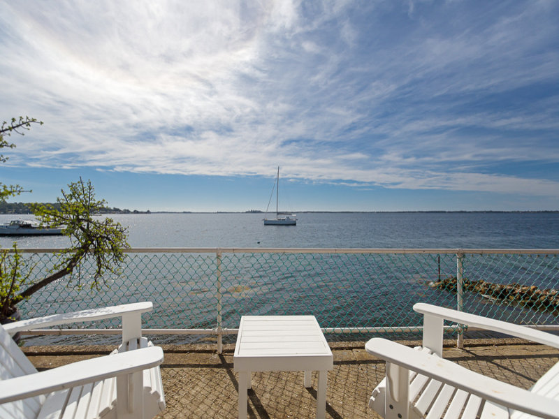 223 Fishing Point Road, Fishing Point, NSW 2283