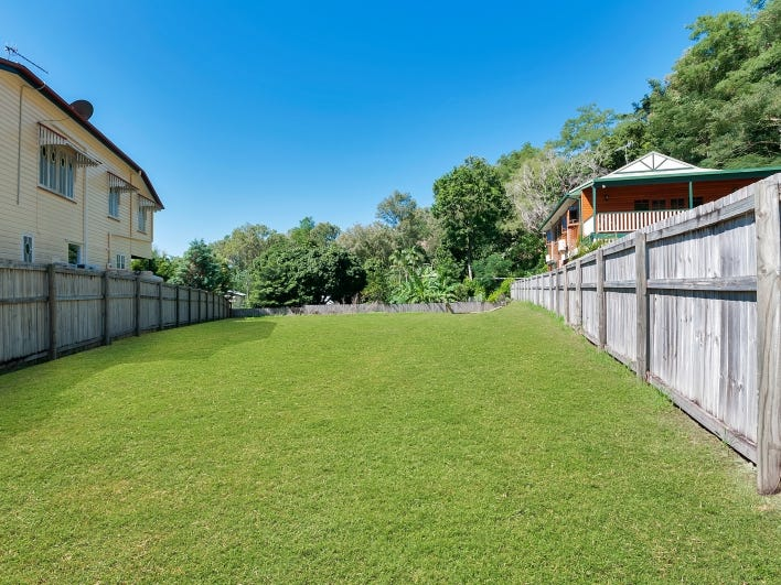 5 Hillside Close, Aeroglen, Qld 4870