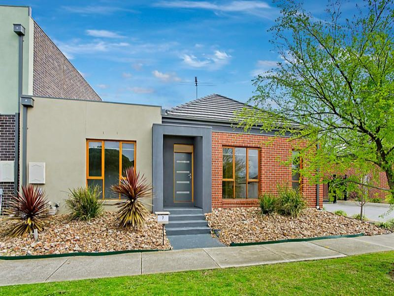 7/1-5 Heversham Grove, Greenvale, Vic 3059