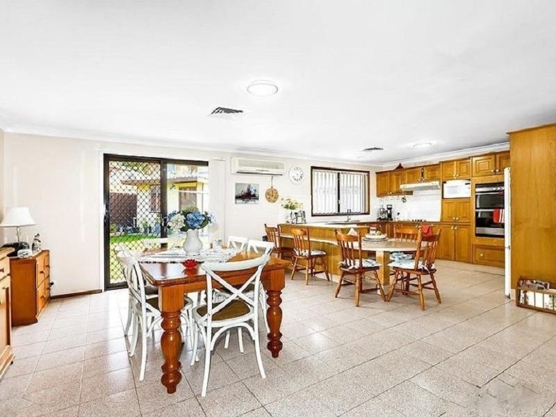 5 Bowtell Avenue, St Johns Park, NSW 2176