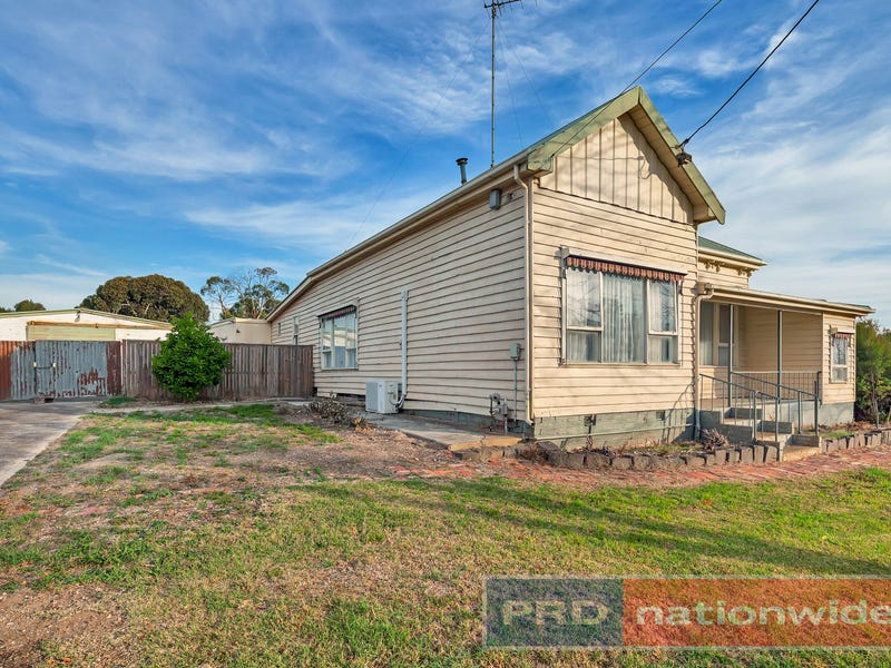332 Humffray Street North, Brown Hill, Vic 3350