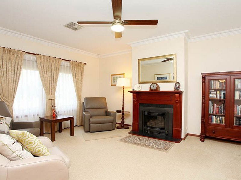 4 Tower Court, Walkley Heights, SA 5098