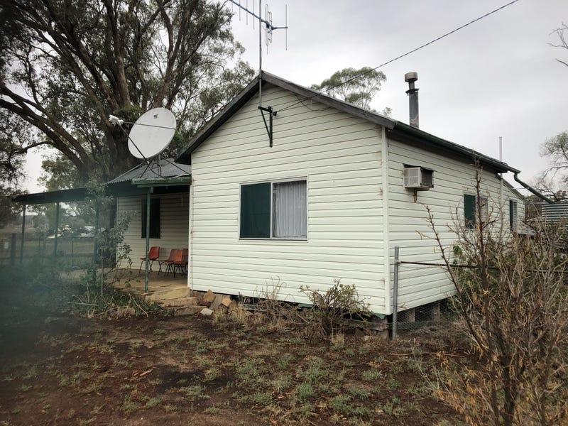 18  Strickland Street, Merrygoen, NSW 2831