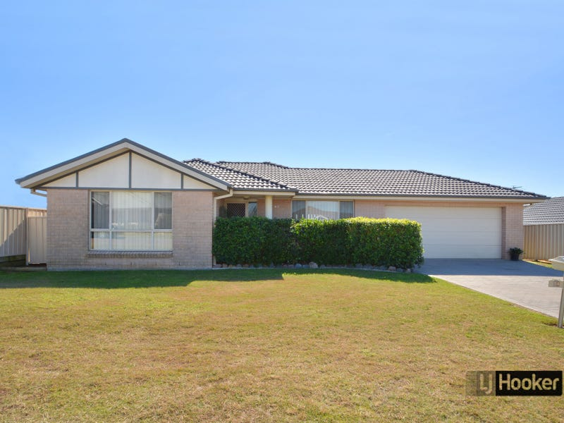 14 Diamond Circuit, Rutherford, NSW 2320