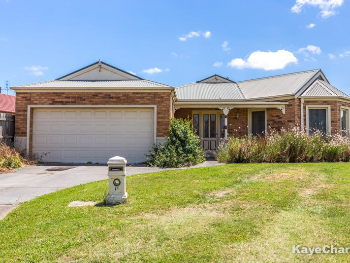 15 Chatsworth Court, Beaconsfield, Vic 3807