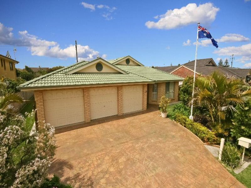 19 Terilbah Place, The Entrance North, NSW 2261