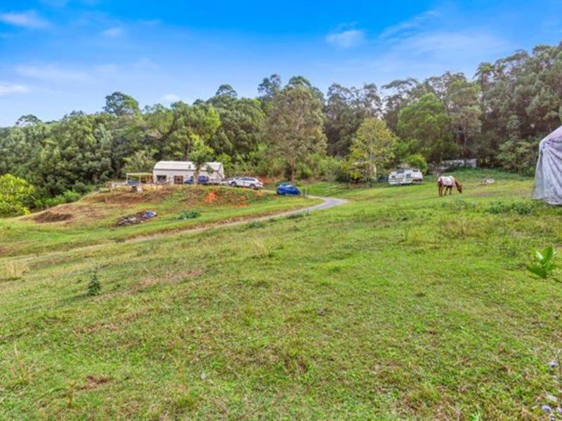 33 Meadow Place, Uki, NSW 2484