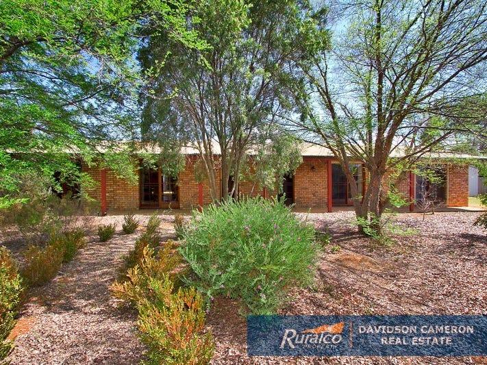 11 Lawson Place, Tamworth, NSW 2340