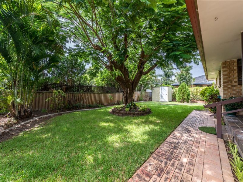 18 Kingfisher Crescent, Burleigh Waters, Qld 4220