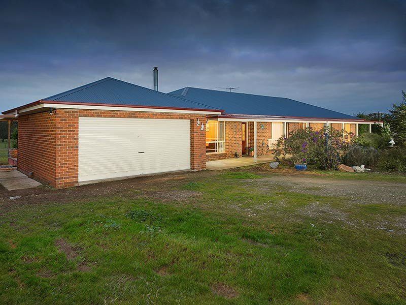 76 Lake View Drive, Table Top, NSW 2640