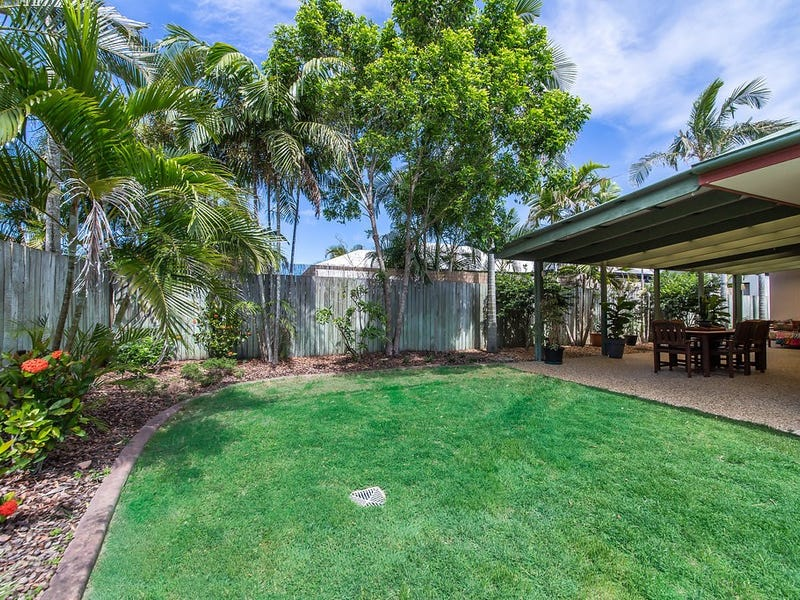 14 Fantail Place, Twin Waters, Qld 4564