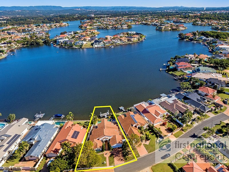 74 Port Jackson Bvd, Clear Island Waters, Qld 4226