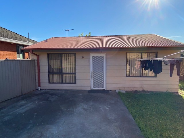 85A GRAHAM AVENUE, Lurnea, NSW 2170