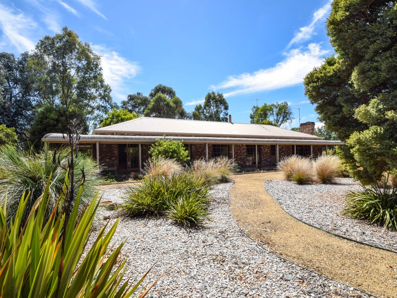 2887 Great Alpine Road, Bowmans Forest, Vic 3735