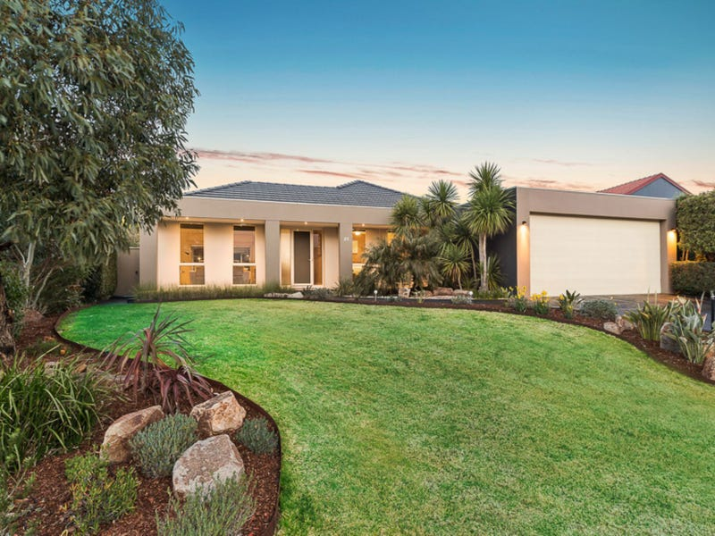 25 MacQuarie Circle, Waterways, Vic 3195