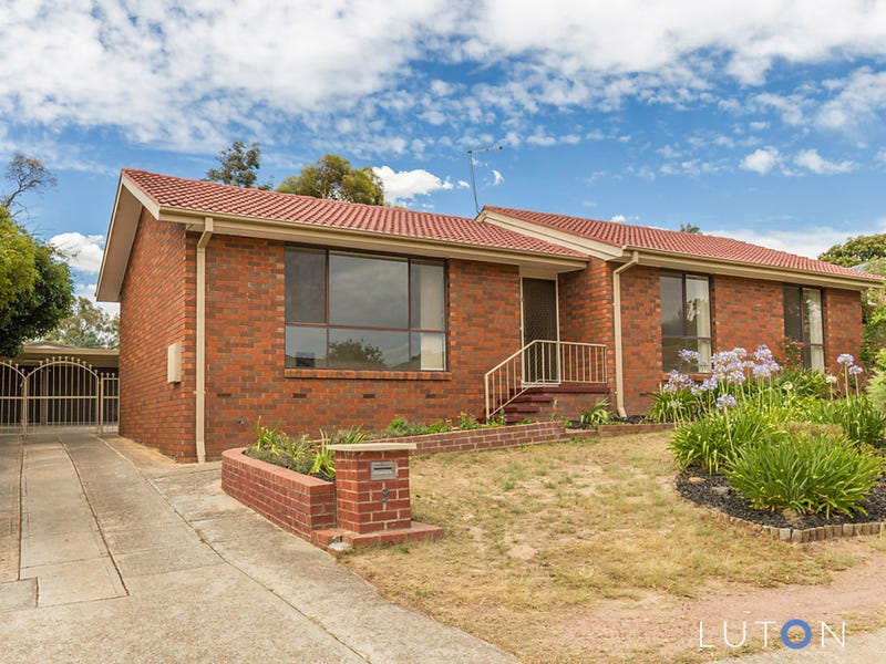 3 Arkell  Place, Charnwood, ACT 2615
