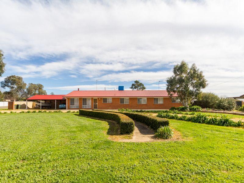 36 Dawson Drive, Cowra, NSW 2794
