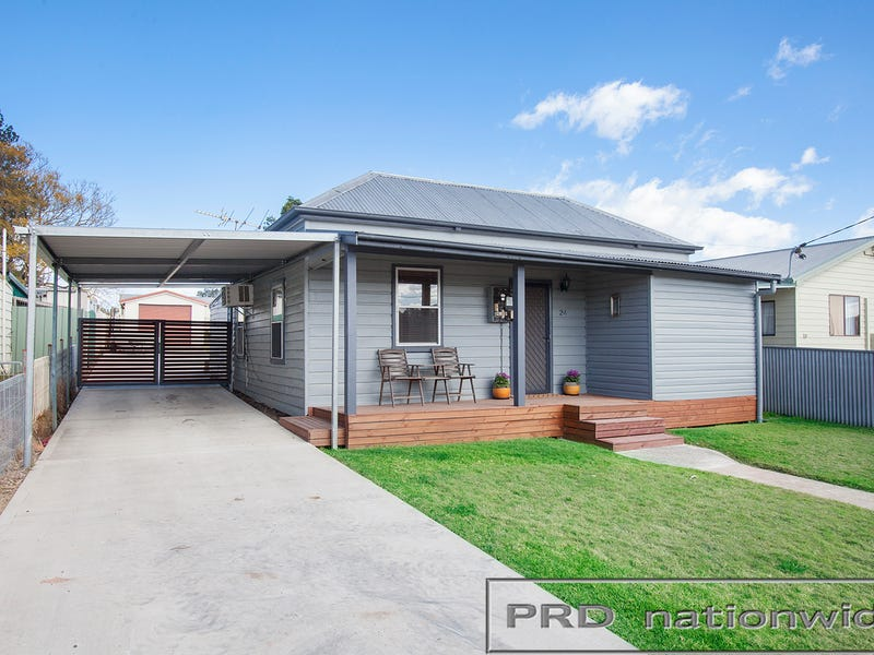 24 Little Park St, Greta, NSW 2334